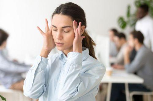 Почему болит голова. И какие таблетки приводят к мигрени