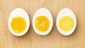 Как сварить яйцо, чтобы оно не треснуло и хорошо чистилось