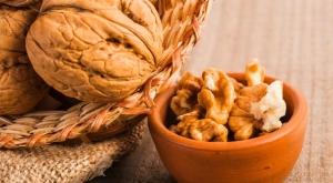 Ученые выяснили, как микрофлора кишечника зависит от грецких орехов